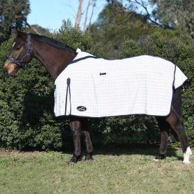 Eurohunter Grand National Deluxe Rug 6'9 at Bowral Coop
